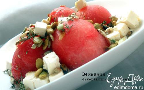 Рецепт Салат c арбузом, фетой и семечками