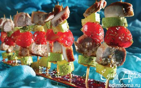 Рецепт Мини-шашлыки «Сувлаки» из копченой свинины («Апаки»), помидоров черри и маринованных цукини