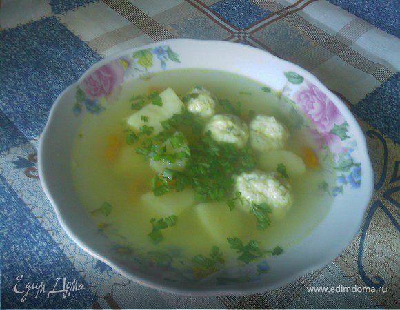 Суп с фрикадельками из рыбы.