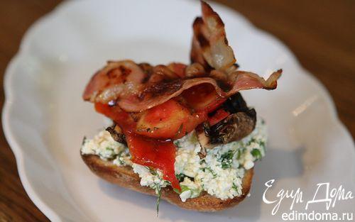 Рецепт Тосты на завтрак с творогом, помидорами и грибами