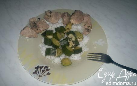 Рецепт Субботний обед ( Отварная ароматная свинина + рис и хрустящий цукини )