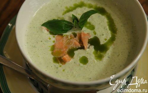 Рецепт Холодный суп из огурцов с семгой и базиликом