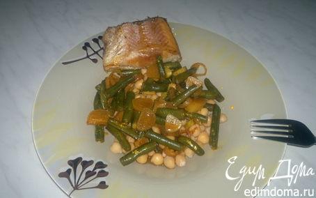 Рецепт Запеченная золотая форель и нут со стручковой фасолью и паприкой.