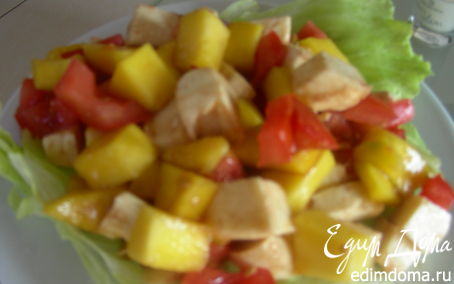 Рецепт Легкий салат из манго, томатов и моцареллы