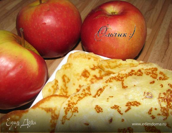 Блинчики на твороге и сливках с яблоком