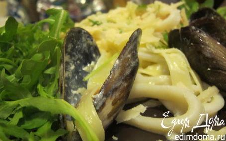 Рецепт Паста с мидиями, креветками, кальмарами и руколой