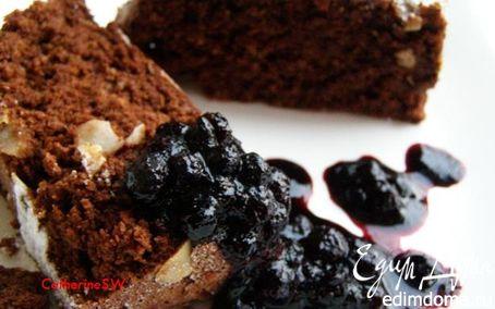 Рецепт Шоколадно-ореховый воздушный кекс с черничным конфитюром