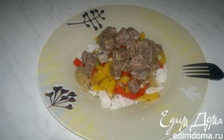 Рецепт Говядина с чесноком, имбирем и табаско + рассыпчатый рис и чатни из сладких перцев.