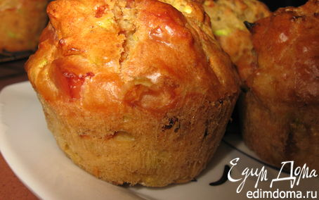 Рецепт – Кабачковые кексы с луком и беконом