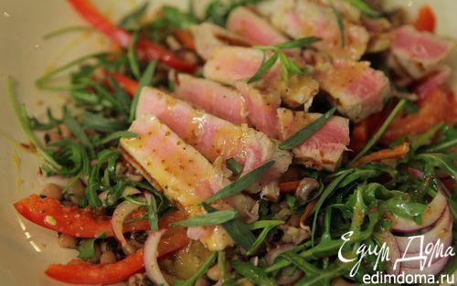 Рецепт Салат с тунцом, фасолью и помидорами
