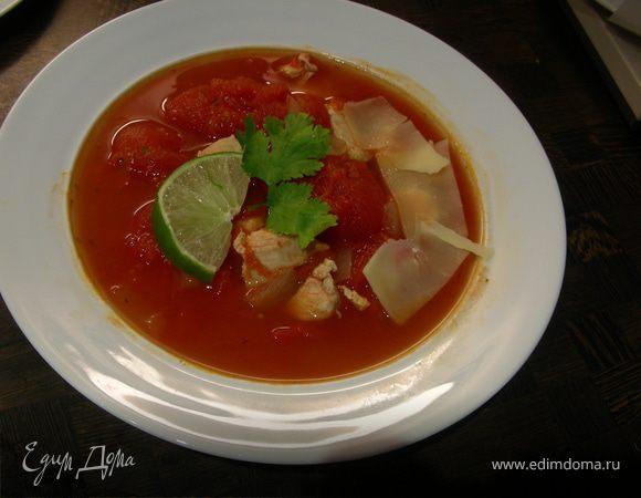 Томатный суп с курицей и лаймом