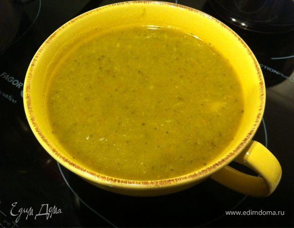 Вегетарианский суп из зеленой капусты, брокколи и моркови