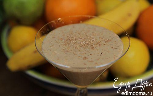 Рецепт Банановый коктейль с медом и миндалем