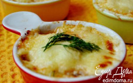 Рецепт Сырный гратен с креветками и красным луком