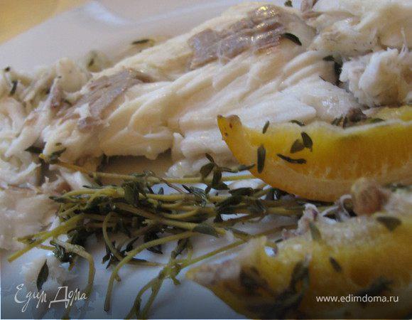Сибас в панцире из соли с лимоном, чесноком и чабрецом