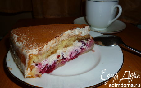 Рецепт Бисквитный торт с вишней