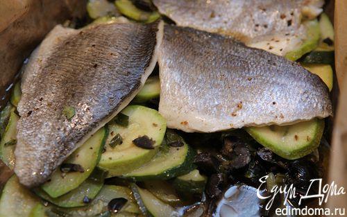 Рецепт Рыба, запеченная в кармане с цукини и маслинами