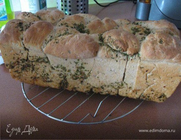 Обезьяний хлеб с травами и чесноком