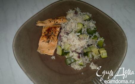 Рецепт Жгучий рис с цукини, чесноком и белым перцем, форель - почти на пару
