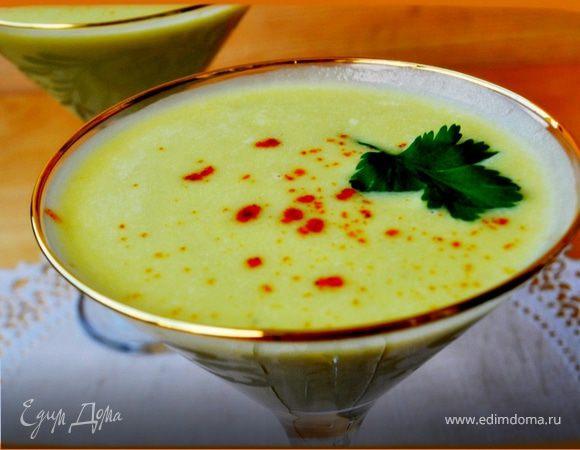 Суп из авокадо с грушами