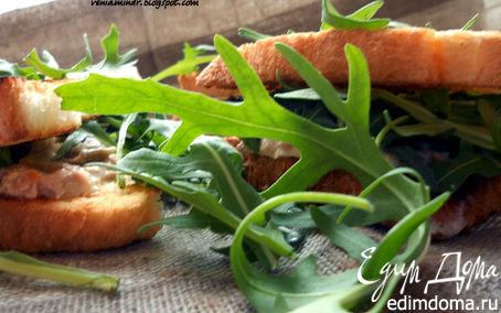 Рецепт Сэндвич с тунцом, руколой и горчицей