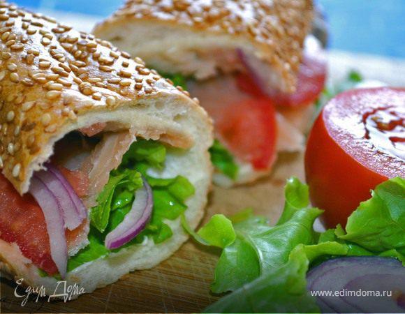 Сэндвич с копченым лососем