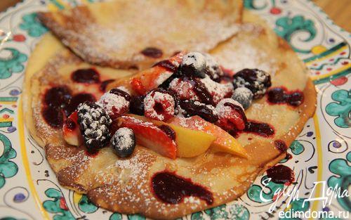 Рецепт Блинчики со свежими фруктами и ягодами