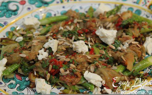 Рецепт Салат из баклажана, лука-порея и спаржи