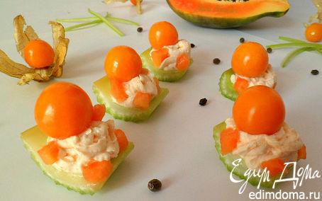 Рецепт Канапешки из сельдерея, папайи, сливочного сыра и физалиса