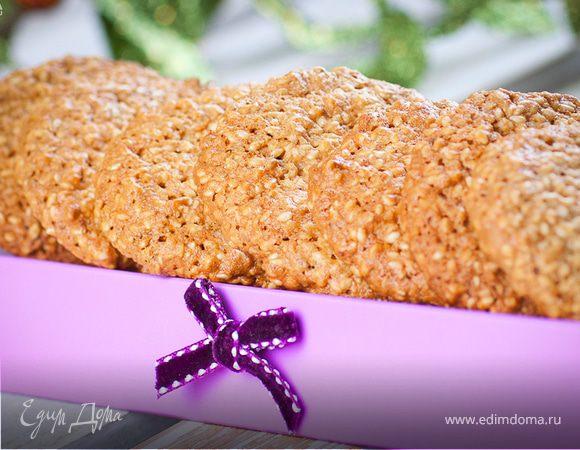 Миндальное печенье с кунжутом