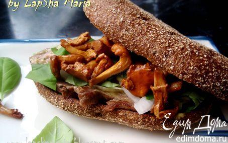 Рецепт Сэндвич с говядиной, лисичками и горчичным соусом
