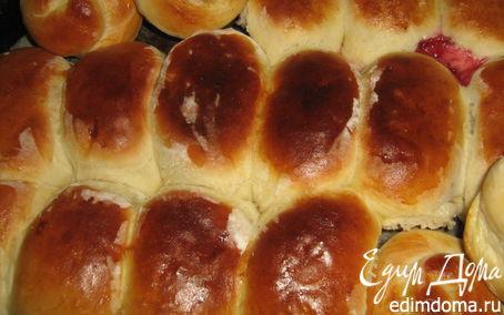 Рецепт Пирожки с вишней и яблоками