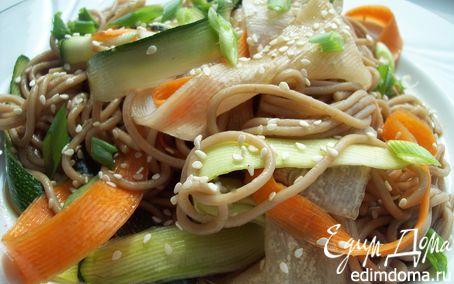 Рецепт Теплый салат с соба и хрустящими овощами