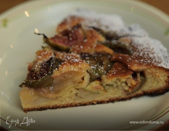 Легкий пирог с бананами и инжиром