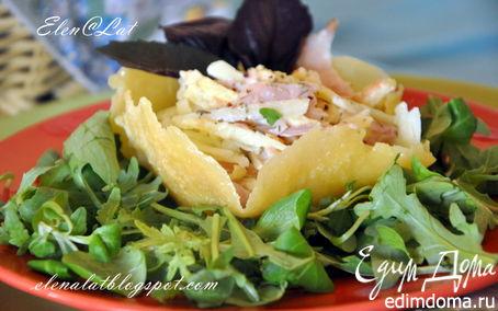 Рецепт Итальянский салат с копченой курицей в сырной корзинке
