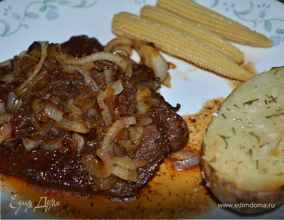Пряно-сладкие говяжьи стейки на сковороде