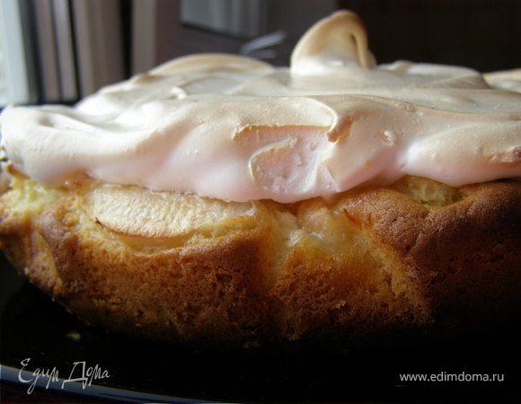 Пирог с творогом, яблоком и нежным суфле