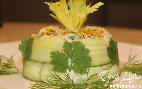 Рецепт Салат из курицы с сельдереем в огурце