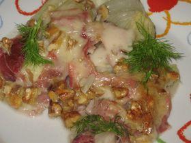 Фенхель с сырным фондю и сыровяленой ветчиной