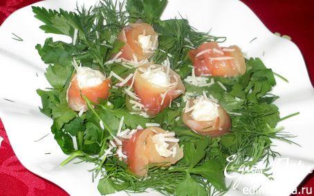 Рецепт Розы из семги с шариками из творожного сыра с зеленью в шубке пармезан