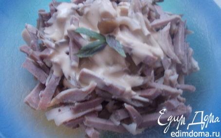 Рецепт мясной салат с языком и маринованными грибами
