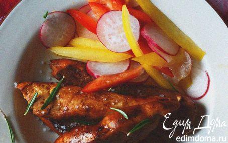 Рецепт Куриные грудки, карамелезированные в апельсиновом соусе с розмарином и гарниром из овощного салата