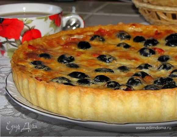 Киш со сладким перцем и маслинами