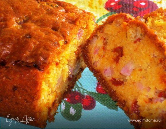 Закусочный кекс с вялеными помидорами и беконом