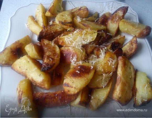 Картофель с пармезаном и травами