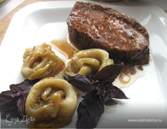 Мясо в баклажановых цветах