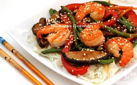 Рецепт Стир фрай с креветками и рисовой лапшой