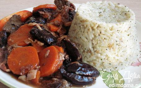 Рецепт Говядина с черносливом и беконом
