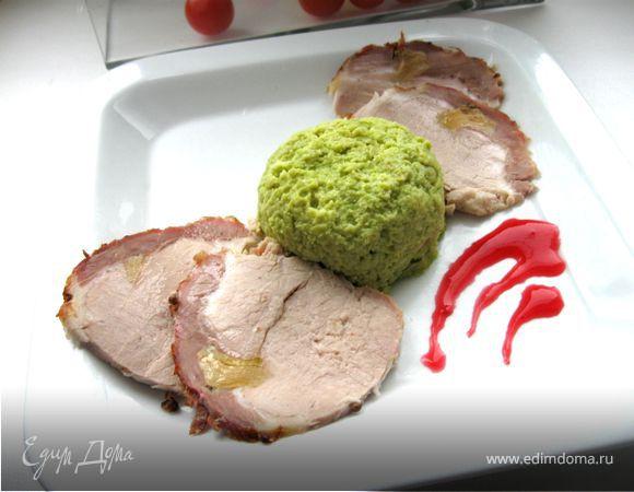 Запеченная свинина с суфле из зеленого горошка «Бабочки прилетели»