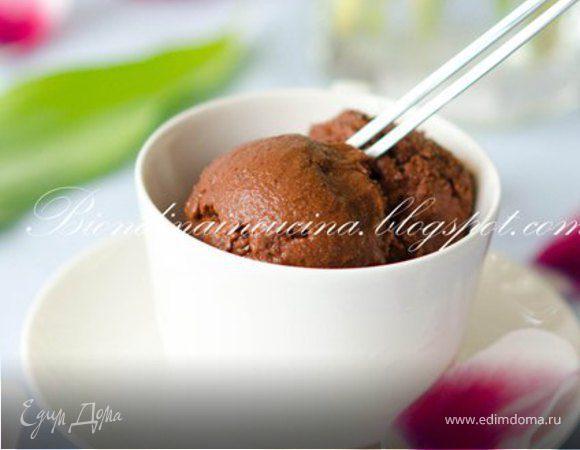 Сорбе из темного шоколада и амаретто